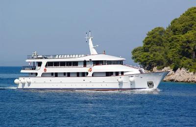 Adriatc pearl Boat